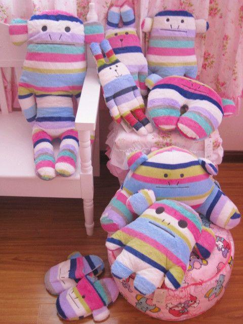 2012新!梨花彩虹猴家居系列U形护颈枕枕头腰靠腰枕抱枕玩偶